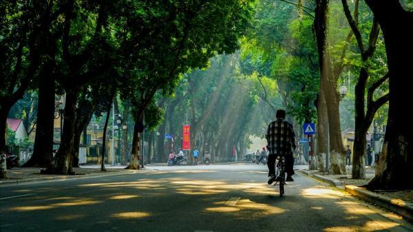Những khoảnh khắc tình như thu Hà Nội...