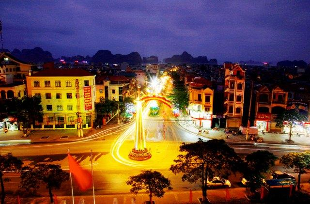 Thành phố Cẩm Phả rực rỡ về đêm